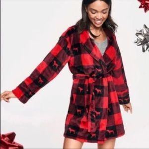 NWT PINK robe M/L